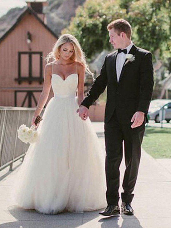 Sweep Train Ball Gown Wedding Dresses Cheap | Sleeveless Tulle Sweetheart Bridal Gowns Sexy