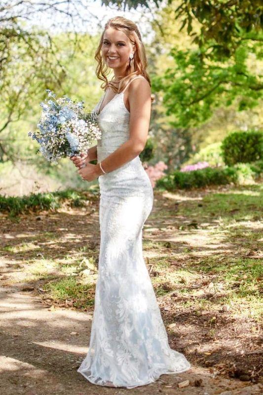 Robe de mariée col V fantastiques avec bretelles spaghetti | Robe de mariée longue en dentelle abordable