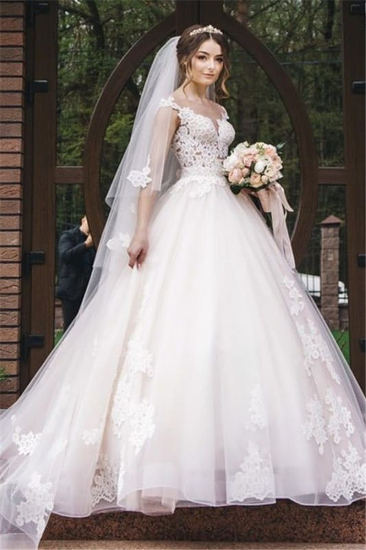Elegant Lace V-Neck Appliques Sleeveless Wedding Dresses