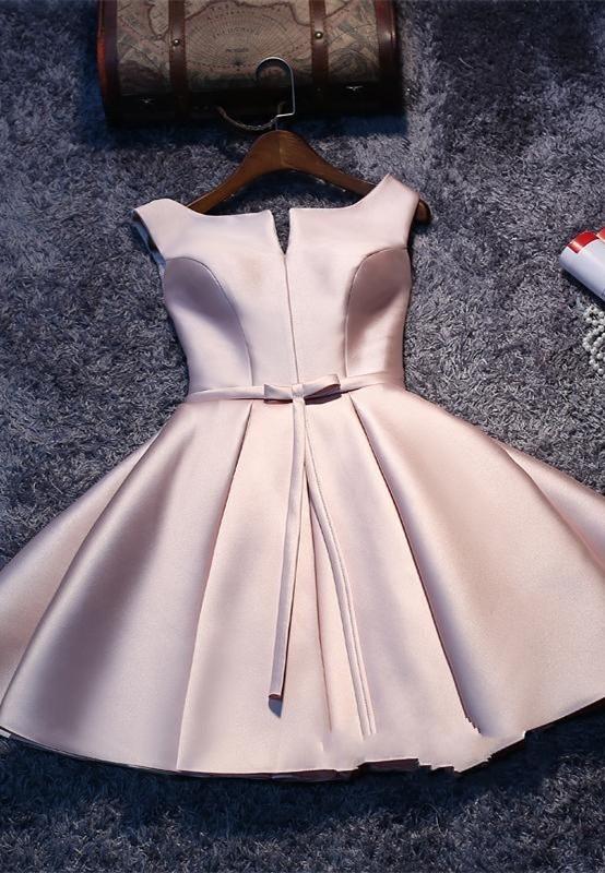 Short Sleeveless Lace-up Elegant Sexy Short Homecoming Dresses