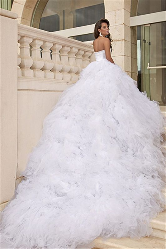 Tulle White Sweetheart Wedding Dresses Chapel Train Sleeveless Bridal Dreses
