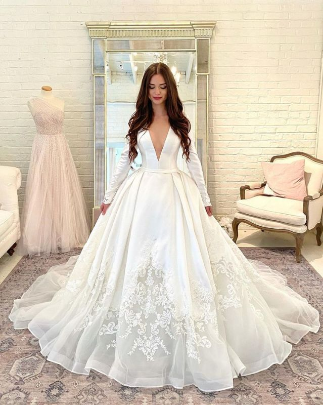 Goegeous V-Neck A-line Bridal Gowns Long Sleeve Satin Wedding Dress Lace Appliques