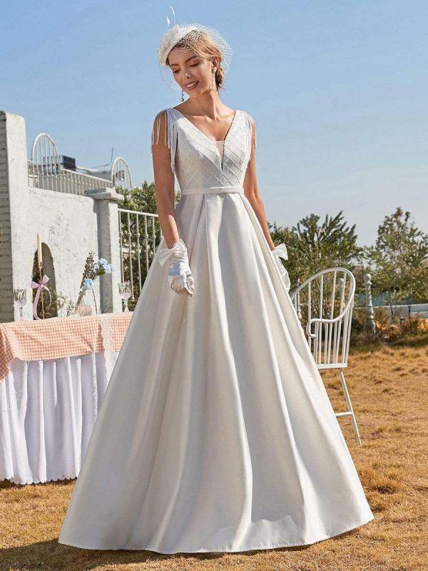 White Intage Wedding Dress V-Neck Sleeveless Natural Waist Satin Fabric Floor-Length Fringe Traditional Dresses For Bride