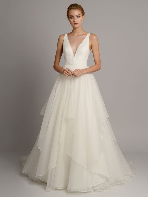 White A-Line Wedding Dresses With Train Sleeveless Backless Natural Waist Tiered V-Neck Long Bridal Dresses
