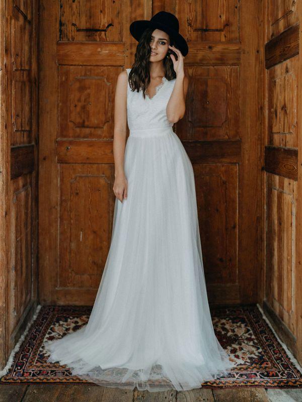 Einfache Brautkleider A-Linie Brautkleider V-Ausschnitt rückenfreie ärmellose Brautkleider