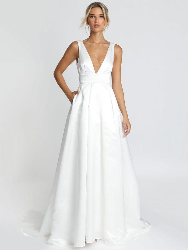 Weißes einfaches Hochzeitskleid Satin Stoff V-Ausschnitt ärmellose rückenfreie A-Linie Brautkleider