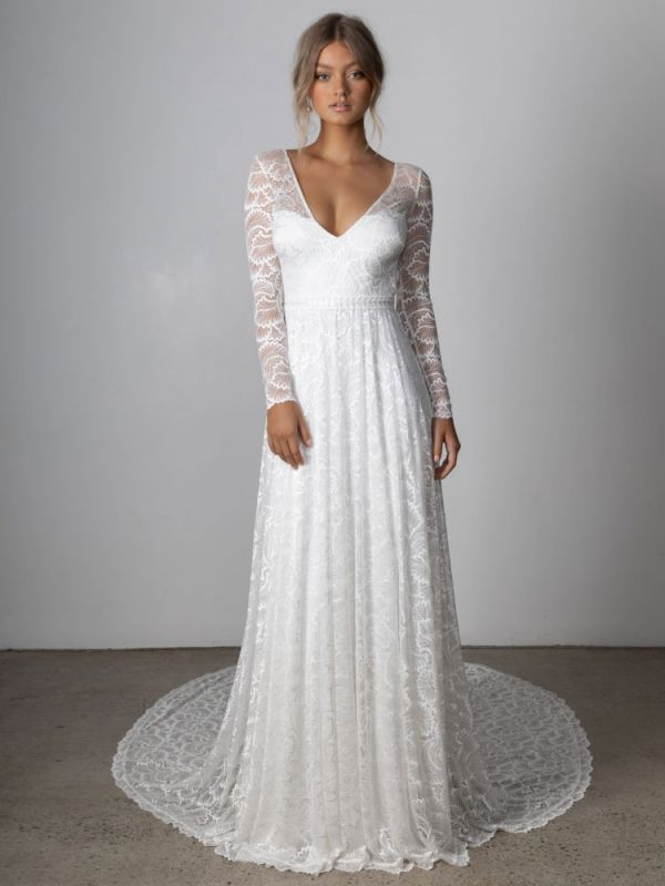 Ivory Lace Wedding Dress Chapel Train A-Line Long Sleeves Lace V-Neck Long Bridal Gowns