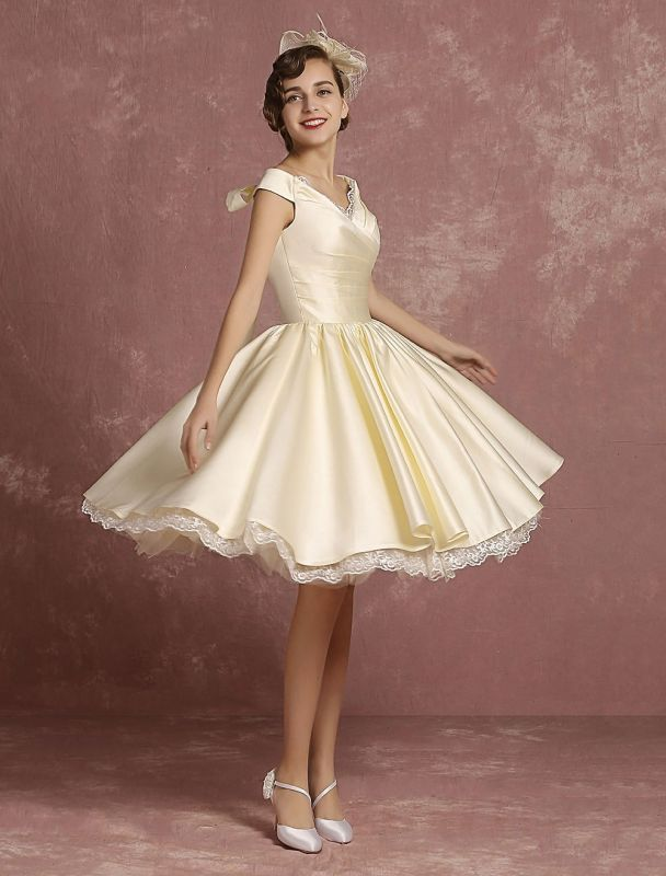 Short Wedding Dresses Satin Vintage Princess Bridal Dress Knee Length Sleeveless Lace Edge Pleated Bridal Gown With Ribbon Bow Exclusive