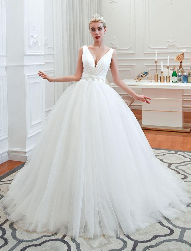 Princess Wedding Dress 2021 Ball Gown V Neck Sleeveless Natural Waist Court Train Bridal Gowns
