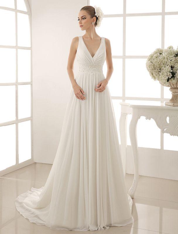 Vestido de novia con cuello de pico y pedrería con vaina