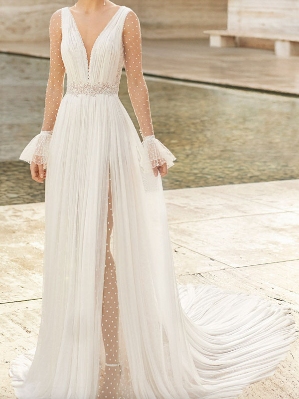 Robe de mariée en dentelle avec train à manches longues en dentelle Robes de mariée à col en V