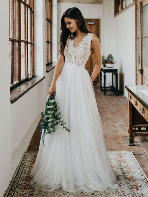 Simple Wedding Dress Tulle A Line V Neck Sleeveless Lace Floor Length Bridal Dresses