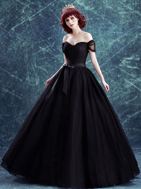 Gothic Wedding Dresses Tulle Princess Silhouette Short Sleeves Natural Waist Pleated Floor-Length Bridal Gown