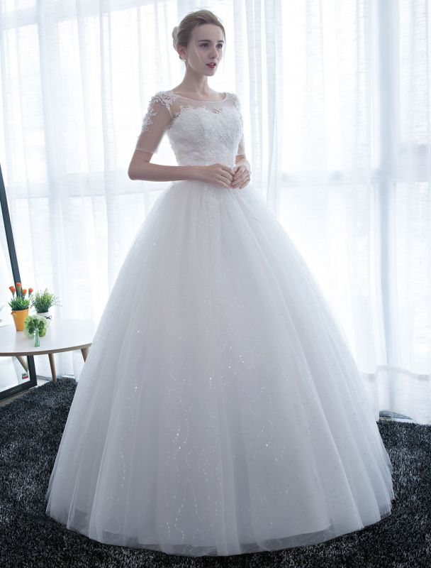 Ivory Wedding Dress Princess Ball Gown Bridal Dress Half Sleeve Lace Applique Pearls Beaded Sweetheart Floor Length Bridal Gown