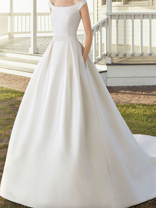 Vintage Wedding Dresses With Train Designed Neckline Sleeveless Buttons Satin Fabric Bridal Gowns