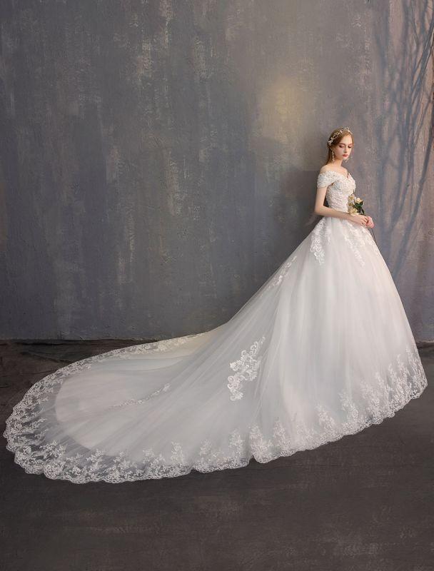 Ballkleid Prinzessin Brautkleider Elfenbein Spitze Perlenketten Schulterfrei Brautkleid