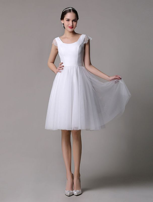 Simple Wedding Dresses Tulle Scoop Neck Knee Length Short Bridal Dress With Lace Cap Sleeves