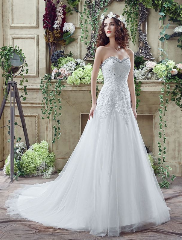 Tulle Wedding Dress Lace Beading Bridal Gown Strapless Sweetheart Chapel Train A-Line Backless Bridal Dress