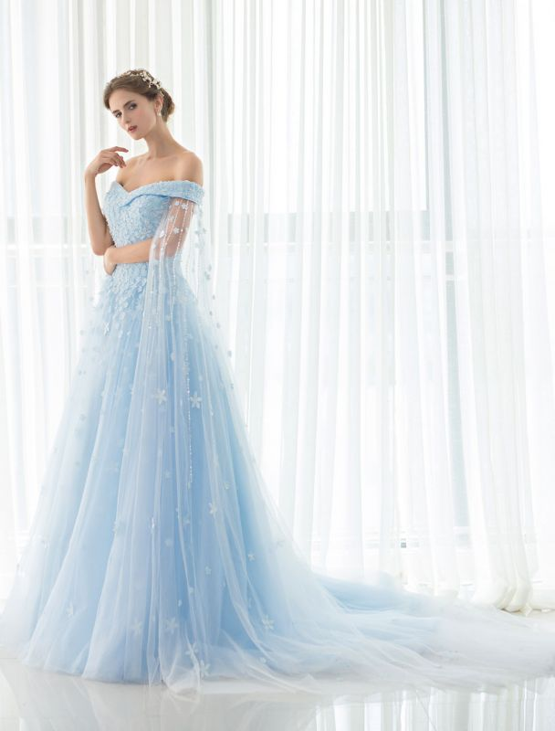 Blaues Brautkleid Spitze Blumenapplikation Off-the-Schulter Tüll Cape Chaple Schleppe A-Linie Brautkleid