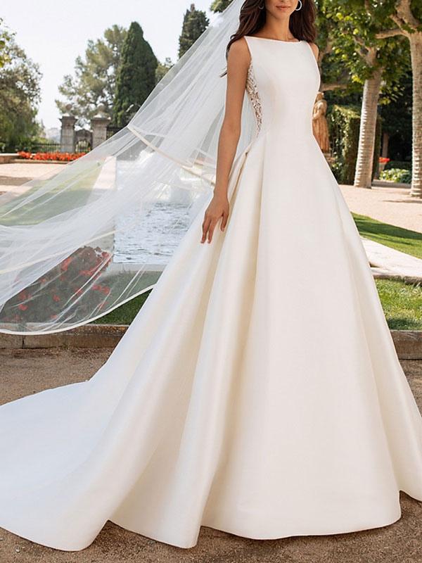 Vestidos de novia de color marfil Una línea con vestidos de novia de cuello alto de encaje sin mangas de tren de capilla