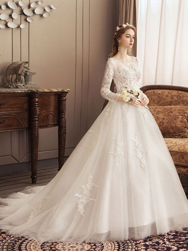 Ivory Wedding Dresses Lace Applique Jewel Neck 3/4 Length Sleeve Princess Bridal Gown With Train