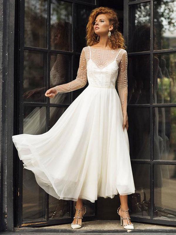 Robe de mariée ivoire col bijou manches longues dos nu robes de mariée en dentelle
