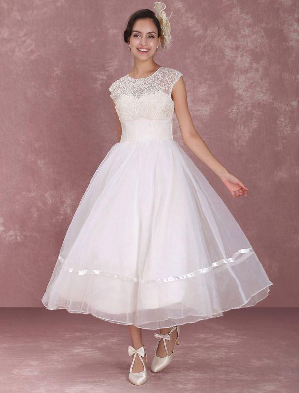 Mini robe de mariée élégante en filet à col rond