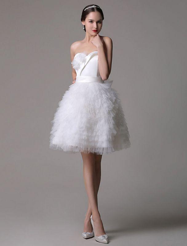 Trägerloses Sweatheart kurzes Brautkleid aus Satin mit müdem Tüllrock