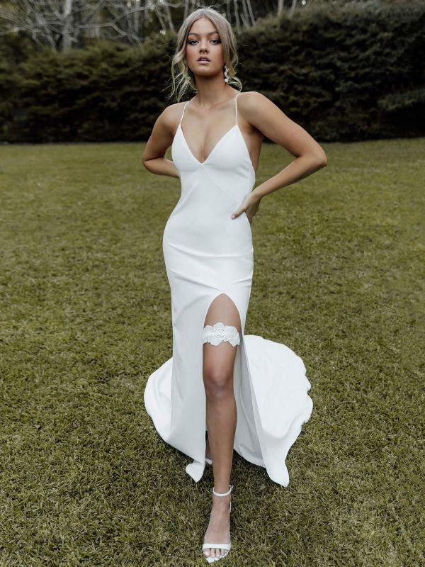 White Simple Wedding Dress Sheath V-Neck Sleeveless Backless Natural Waist Criss-Cross Split Front Lace-Up Bridal Dresses