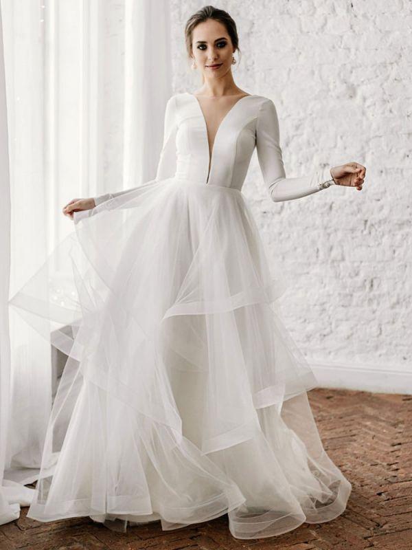 Weiße A-Linie Brautkleider Bodenlang Lange Ärmel Abgestufter V-Ausschnitt Natürliche Taille Bodenlange Brautkleider