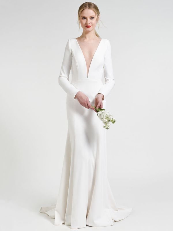 Weißes einfaches Hochzeitskleid Hof-Zug-Satin-Stoff V-Ausschnitt 3/4 Ärmeln Meerjungfrau Brautkleider