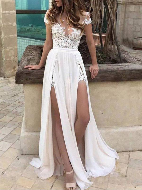 Robes de mariée Boho 2021 en mousseline de soie col en V profond à manches courtes en dentelle appliquée Split Front Beach Robes de mariée