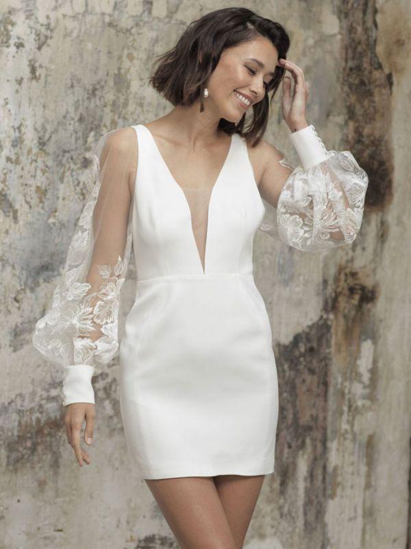 White Short Wedding Dresses V-Neck Long Sleeves Backless Sheath Cut-Outs Lace Bridal Dresses
