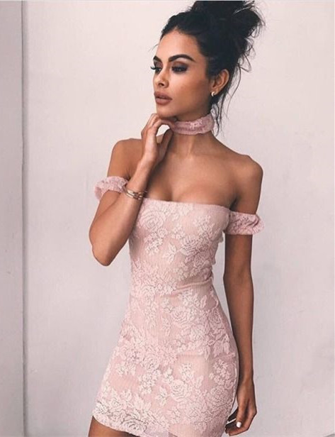 Delicate Lace Bodycon Off-the-shoulder Homecoming Dress | Short Cocktail Gown