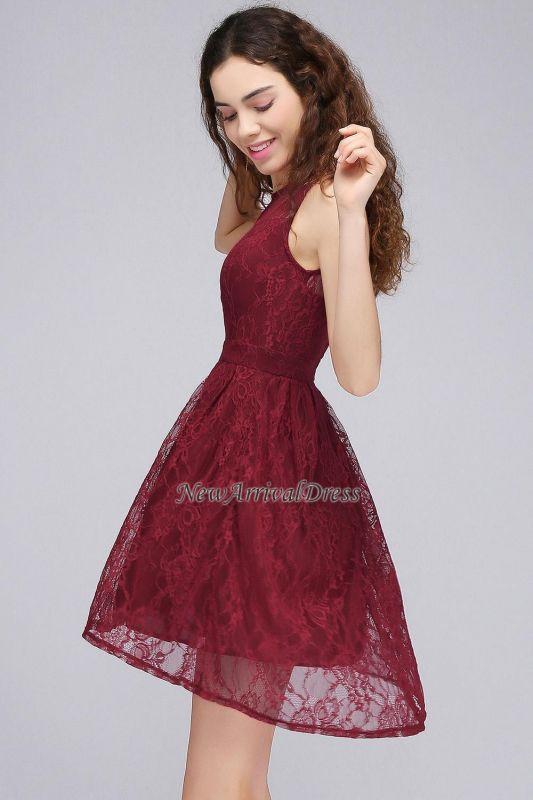 Lo nuevo de encaje sin mangas ilusión una línea de vestido de fiesta de color burdeos