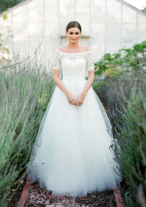 New Arrival Bateau Short Sleeve Lace Wedding Dresses A-Line Tulle Plus Size Bridal Gown
