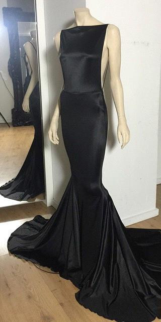 Long Prom Dresses Cheap Black Open Back Bateau Neck Spaghettis Court Train Mermaid Evening Gowns