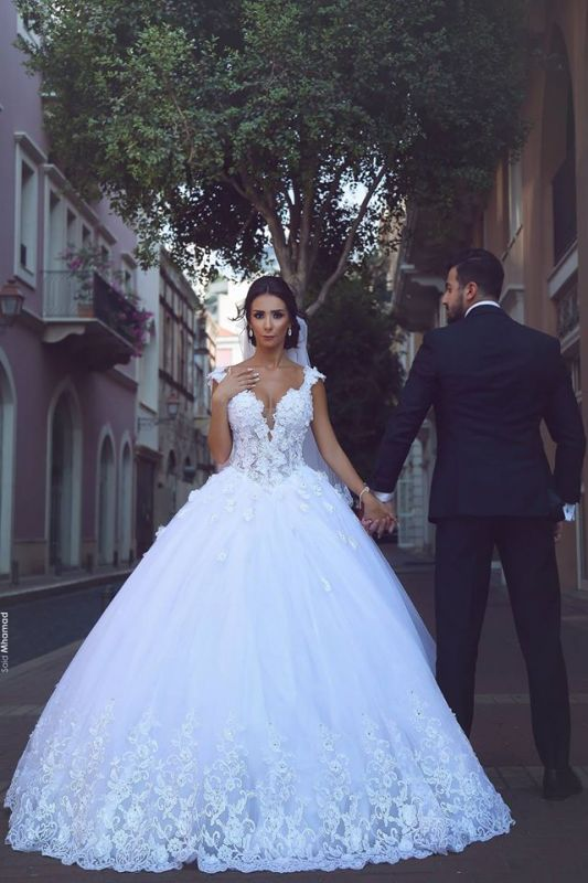 Sleeveless Puffy Tulle Ball Gown Wedding Dresses | Sexy Straps Lace Appliques Bridal Gowns