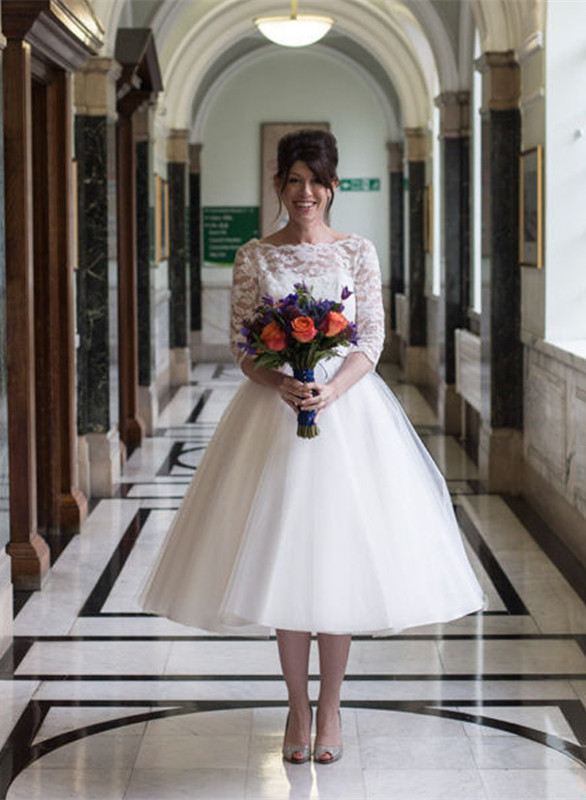 Tulle Designer Lace Appliques New Arrival Tea Length Charming Wedding Dresses