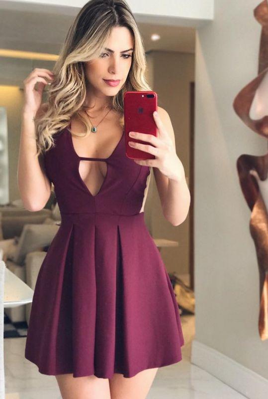 Newest Short Deep Burgundy V-neck Sleeveless Homecoming Dress