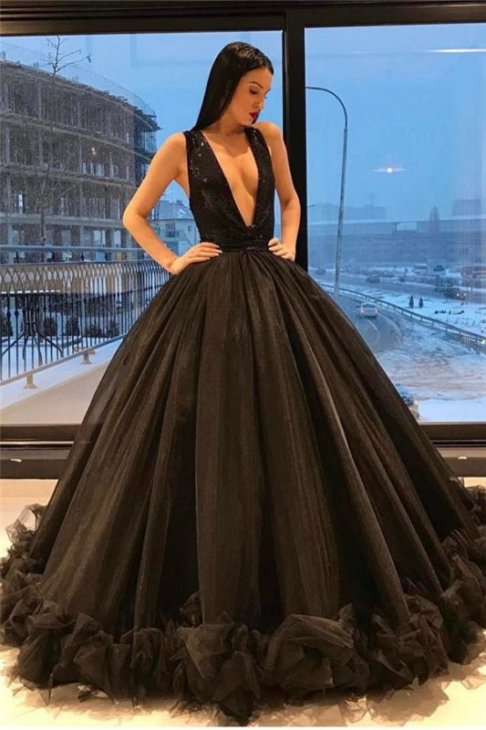 Puffy Sequins Deep-V-Neck Sexy Tulle Ruffles Sparkling Sleeveless Black Evening Gown