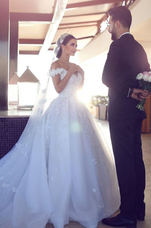 Luxurious Princess Ball Gown Wedding Dresses | Puffy Tulle Off The Shoulder Bridal Gowns with Appliques