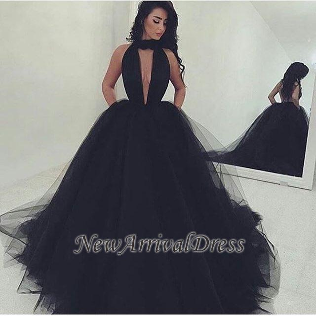 Tulle Black Gorgeous Ball-Gown V-Neck Prom Dress