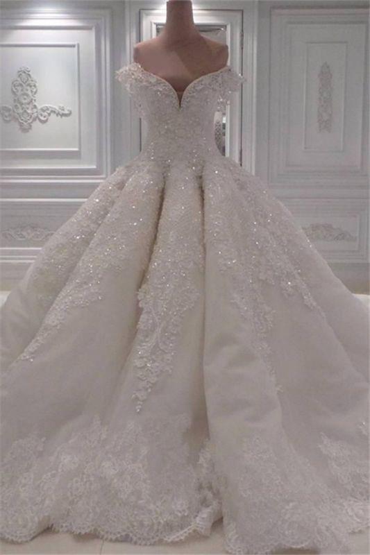 Elegante Off Shoulder Lace Brautkleider 2021 | Bezauberndes perlenbesetztes Brautballkleid