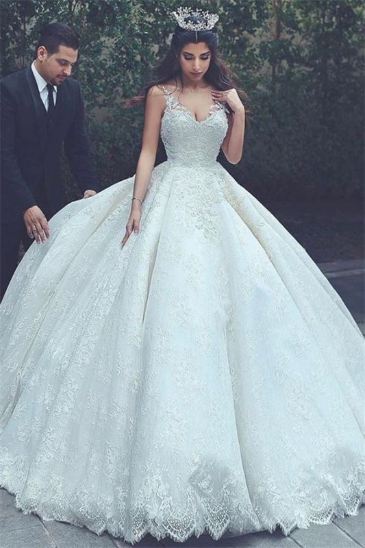 Cheap Online New Arrival Lace Latest V-neck Appliques Sexy Sleeveless Elegant Ball Gown Wedding Dresses