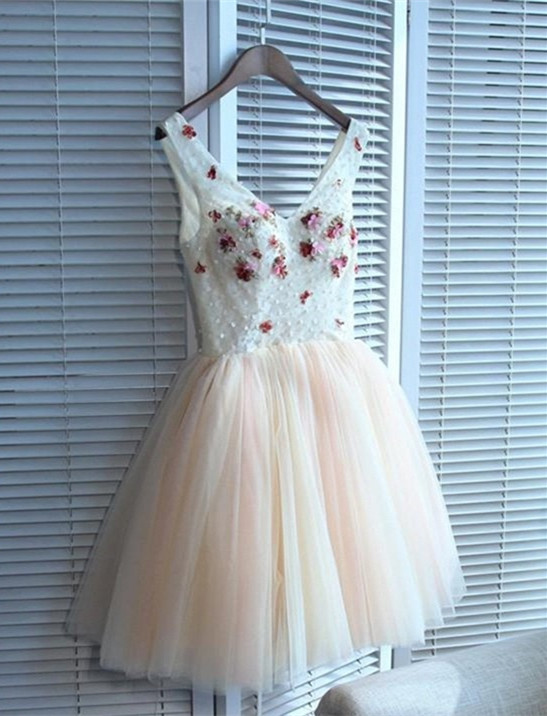 Cute Flowers Lace Straps Sexy Short Homecoming Dresses | Lace-up Party Gown