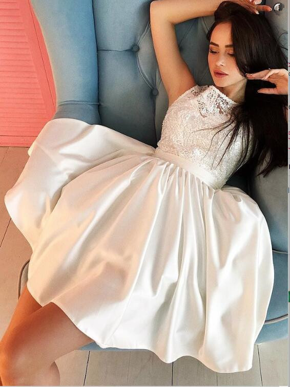 Modest White Scoop Sleeveless A-line Homecoming Dress | Short Party Gown