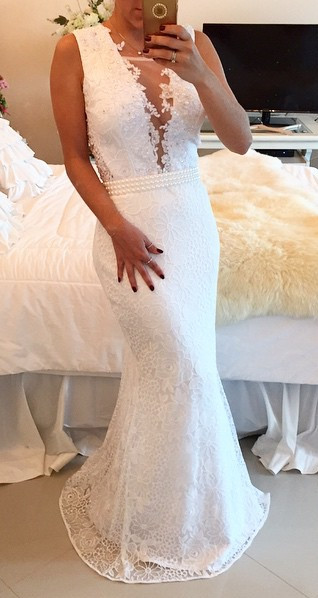 White Lace Beaded Prom Dresses Sleeveless Mermaid Appliques Evening Gowns BT00