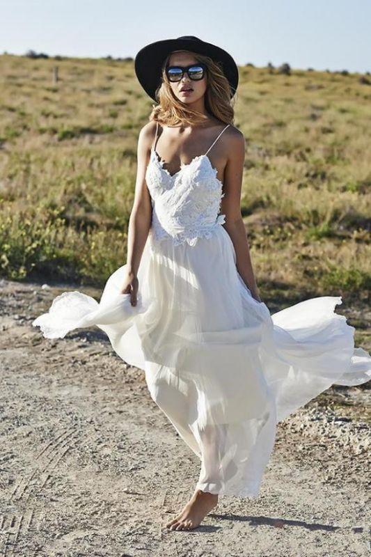 Simple Design Sexy Spaghetti Straps Elegant Lace Appliques Long Chiffon Beach Wedding Dress Cheap