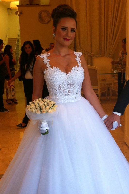 Straps Lace Top Puffy Tulle Wedding Dress Ball Gown Sleeveless Bridal Gowns Cheap